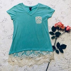 🦋Rue21 Lace Trimmed Tee🦋